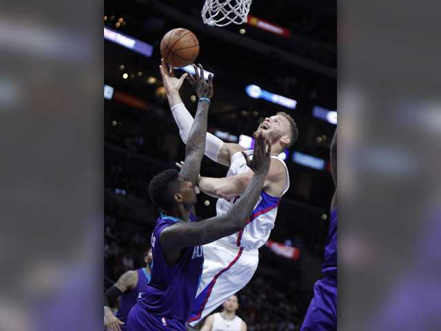 Redick, Clippers take 22-point lead, hold off Hornets
