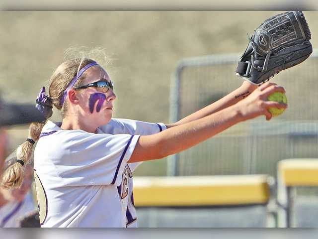 Valencia softball gets all-around performance in win