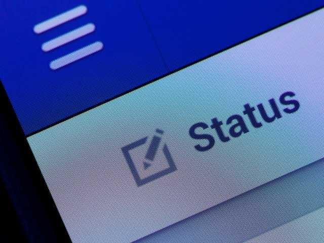 Facebook removes 'fat' emoticon