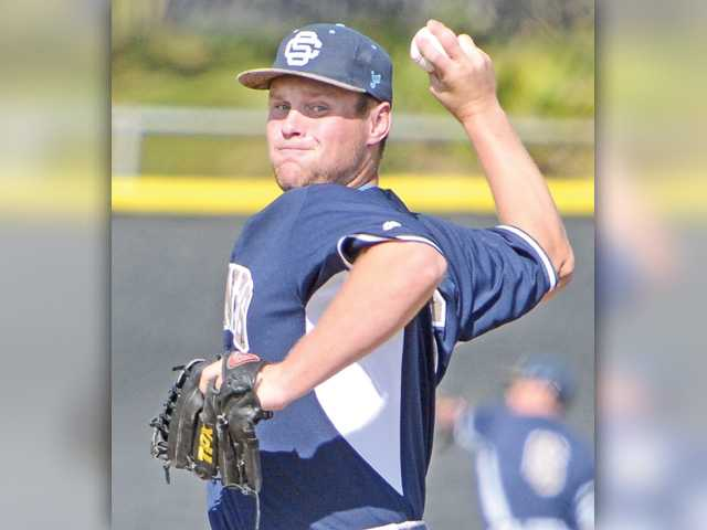 Saugus baseball turns pitchers' duel into blowout