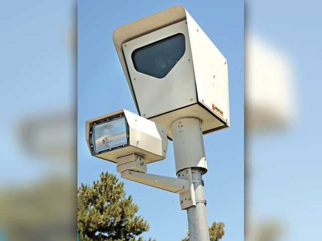 Santa Clarita to put full stop on red-light cams