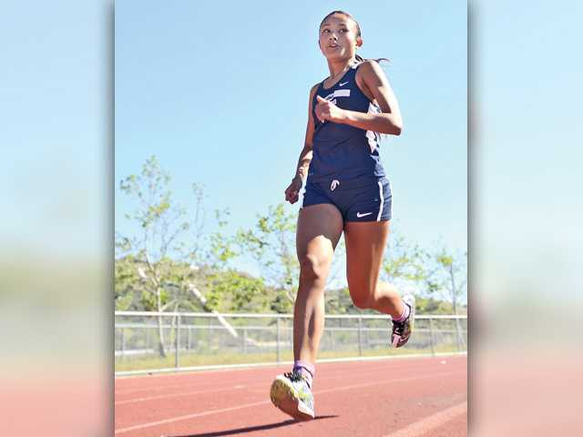 Canyon boys, Saugus girls win Foothill track opener