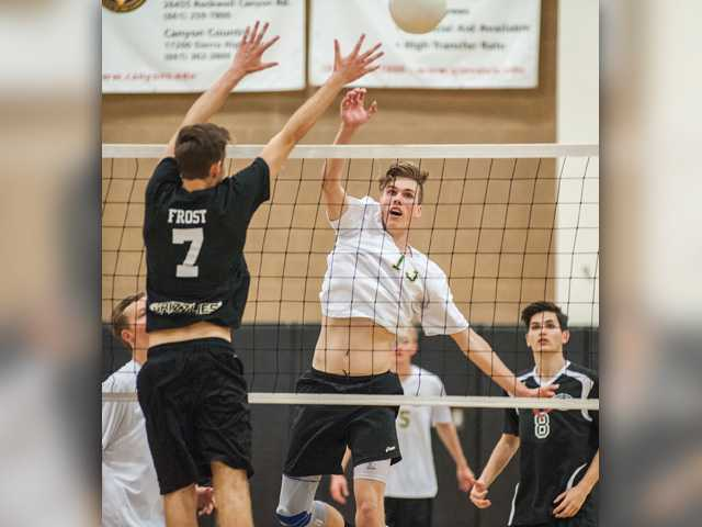 Canyon boys volleyball moves to 2-0 in Foothill play