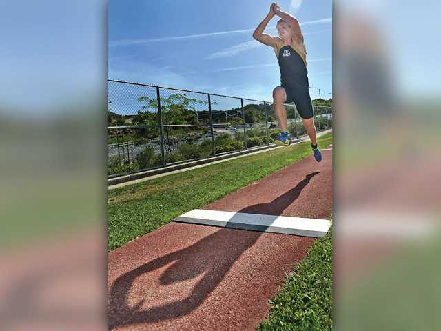 West Ranch's Max Cawley doesn't back down from a challenge