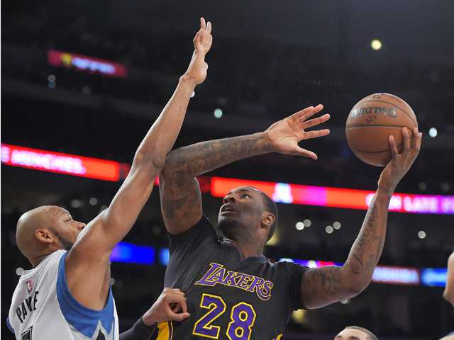 Kelly leads Lakers past Timberwolves