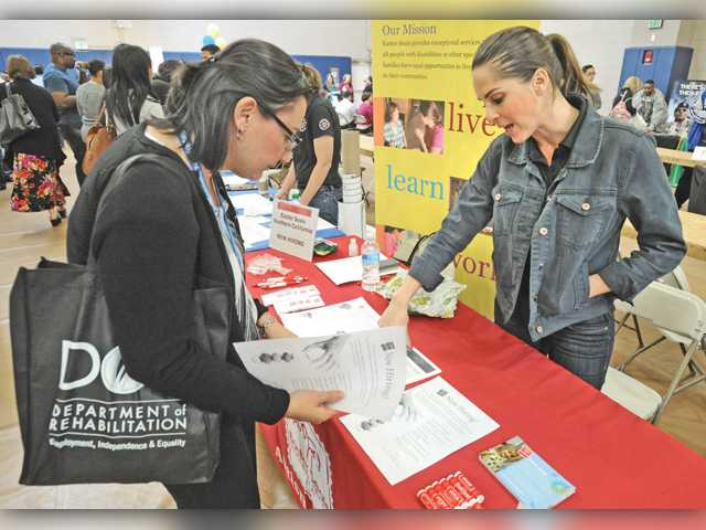 COC attracts more than 500 for job fair