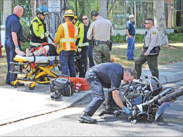 One injured in motorcycle crash in Valencia