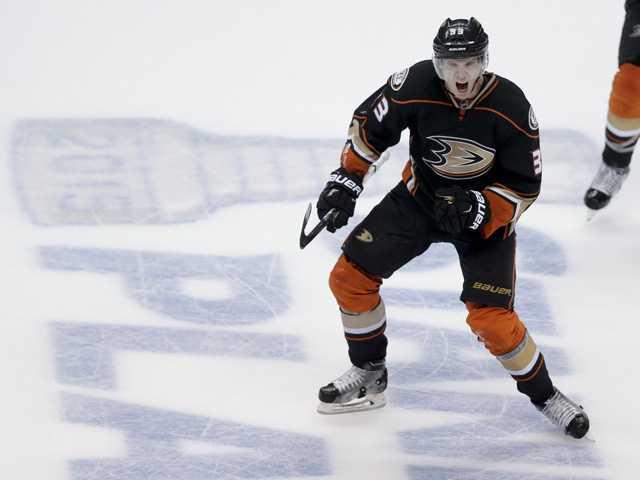 Ducks beat Winnipeg on last-minute goal