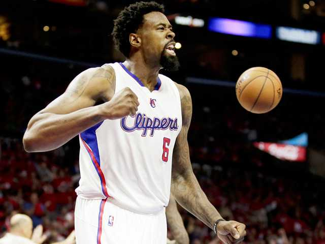 Clippers surge to beat Spurs in playoff opener