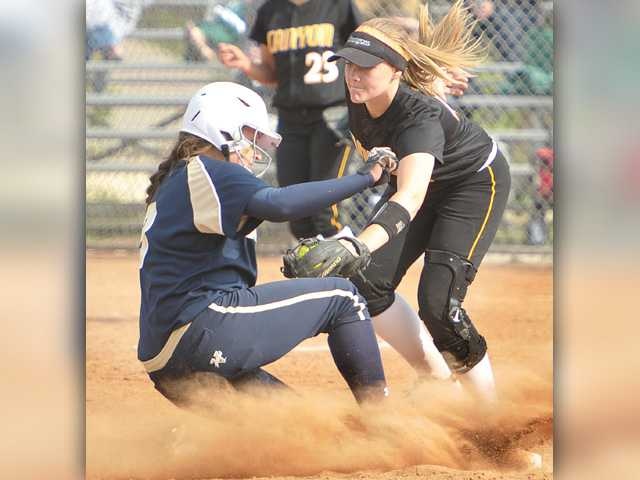 West Ranch softball beats Canyon, remains in first place
