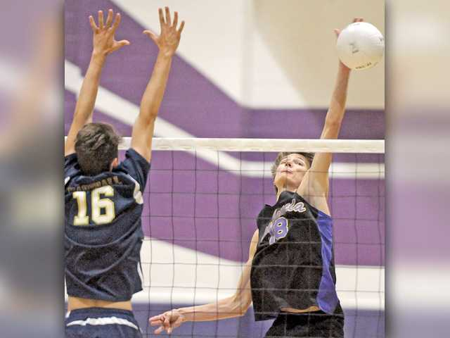 Valencia V-Ball survives against West Ranch