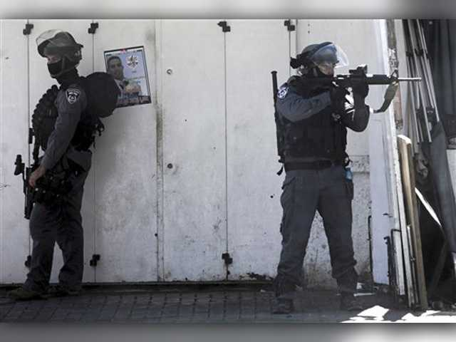 Israeli police: 2 Palestinians shot dead after knife attacks