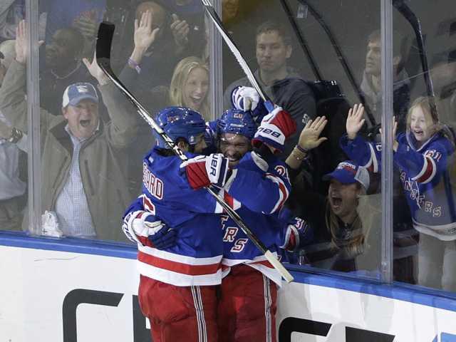 Rangers beat Lightning 2-1 in Game 1