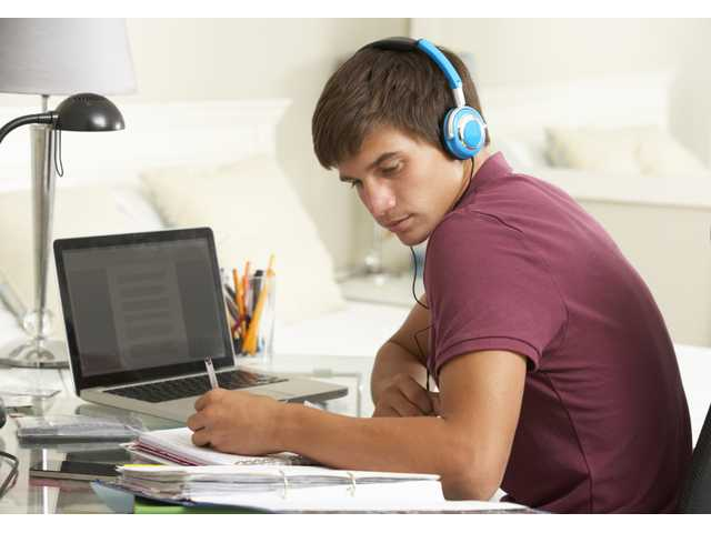 Teens more likely to get hearing loss than 20 years ago, doctors say