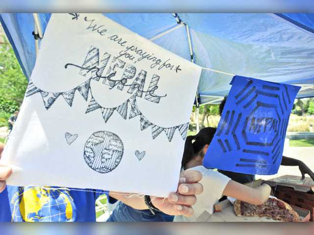 College, community rallies for Nepal quake victims