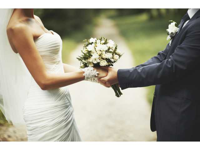 U.S. marriage rate hits new low, may continue to decline