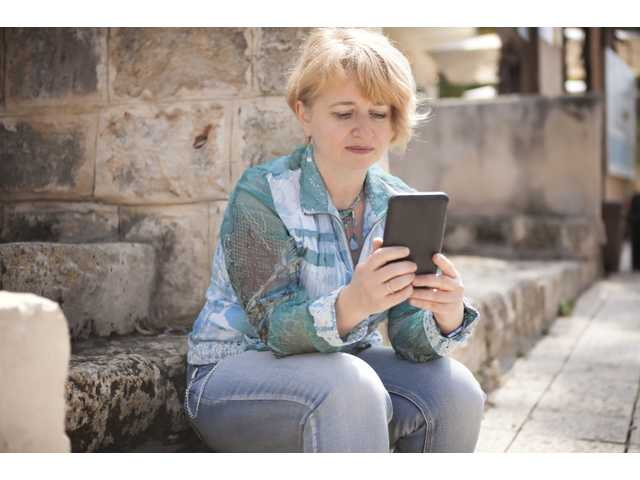 5 benefits of not having a smartphone