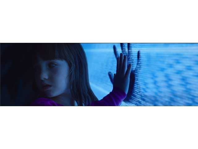 'Poltergeist' remake is fun for a while but crashes hard