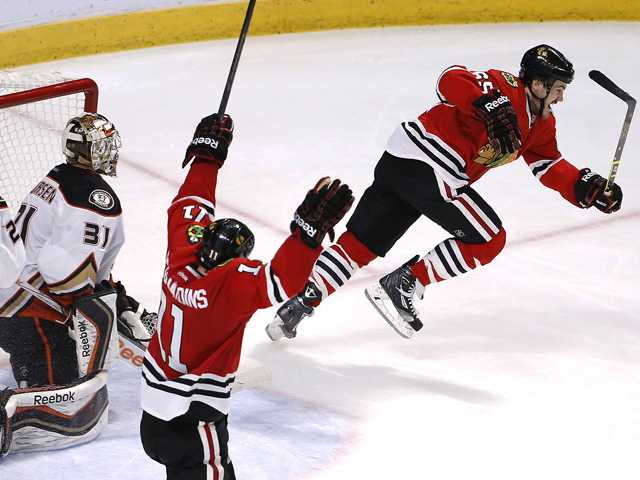 Blackhawks beat Ducks to force Game 7 in West finals