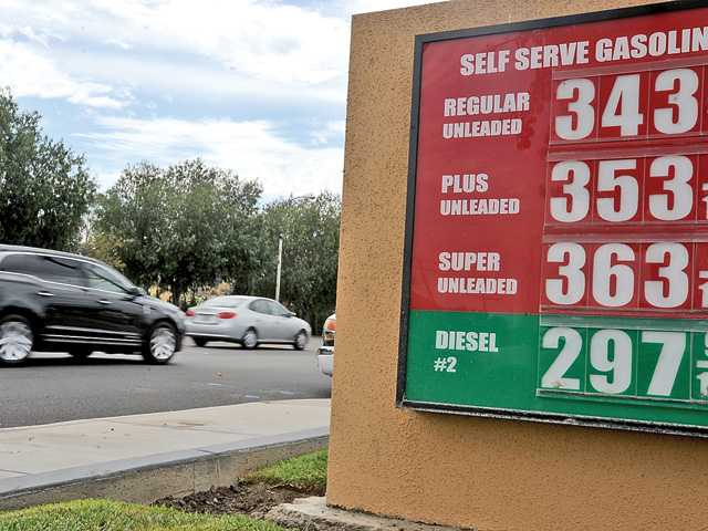 California gas prices falling as residents gear up for Fourth of July vacations