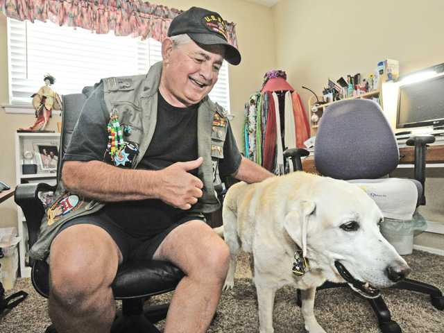 Deaf, blind Canyon Country veteran guides others who need assistance