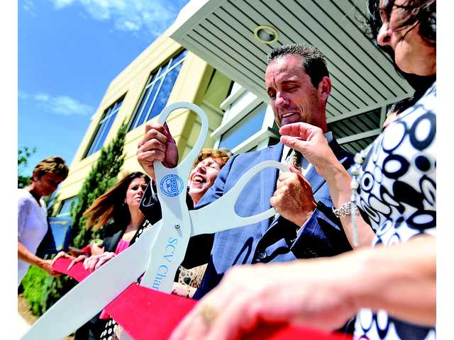 Knight cuts ribbon for new SCV field office