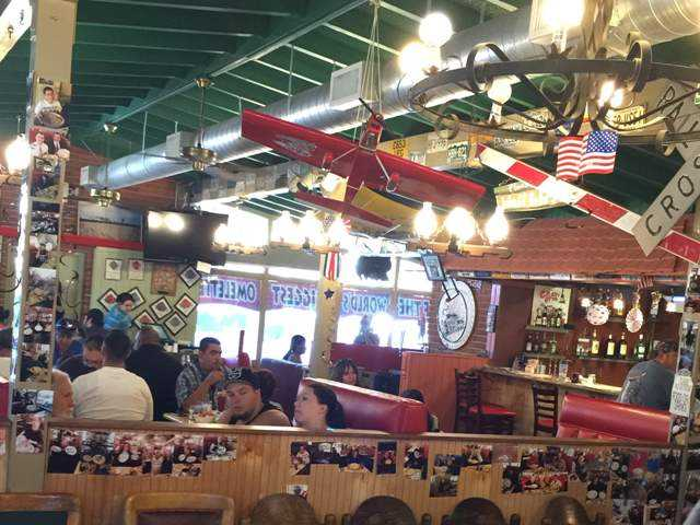 Old-time diner opening in Canyon Country