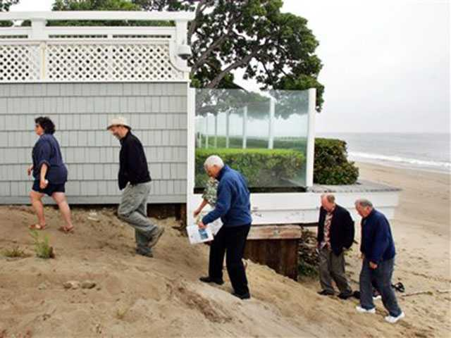 After legal fight, public path to 'Billionaires' Beach' open