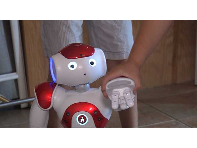 Medical robot teaches autistic children how to read emotions, reduces pain in pediatric patients
