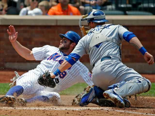 Greinke's shutout streak ends, Mets beat Dodgers 3-2 in 10