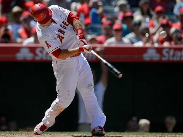 Trout has grand slam, solo HR in Angels' win over Rangers