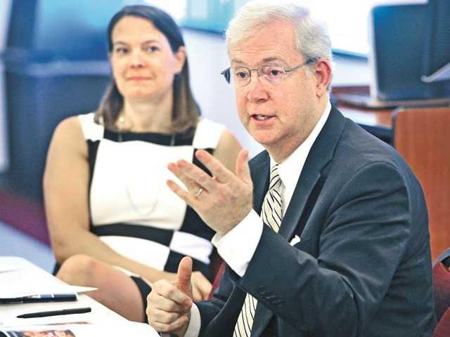 Santa Clarita Gives Input for Region's Growth