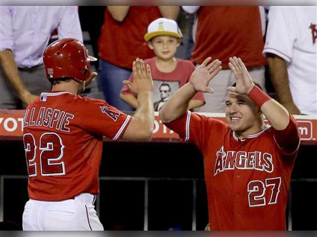 Gillaspie HR helps Angels beat Indians, end 6-game skid