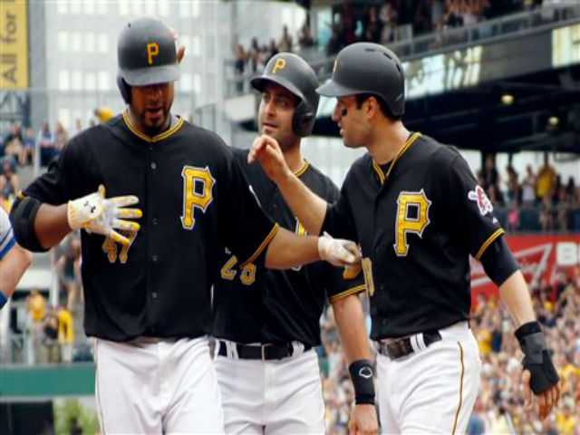 Liriano's homer, McCutchen's 3 hits lead Pirates over Dodgers