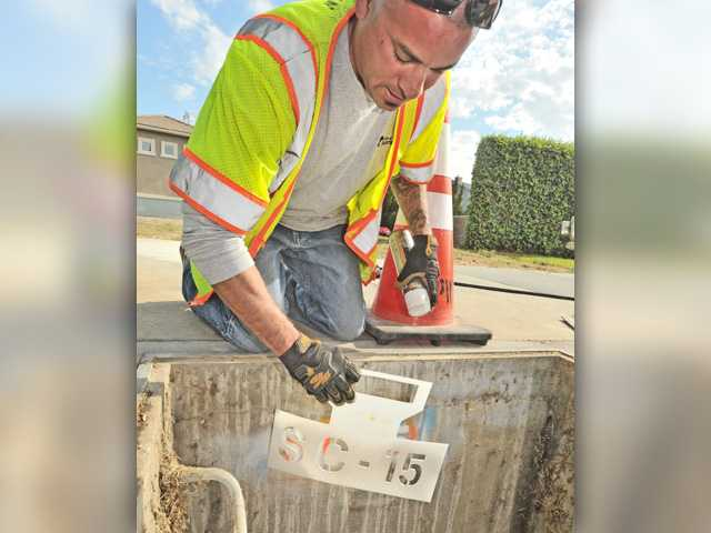 Santa Clarita cleaning drains ahead of possible winter storms