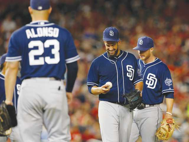 Hart grads James Shields, Mike Montgomery stumble