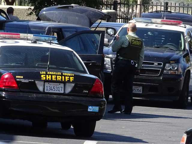 UPDATE: Man arrested in Valencia apartment following 5-hour standoff