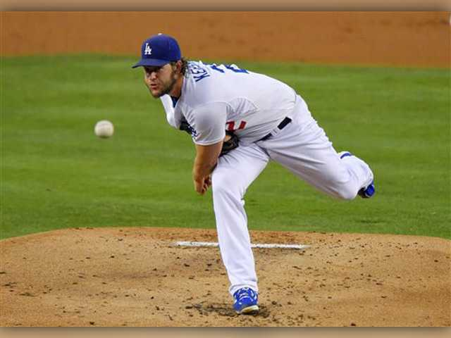 Kershaw dominates Cubs in LA victory