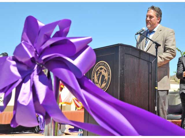 Officials dedicate new Vasquez High School campus in Acton