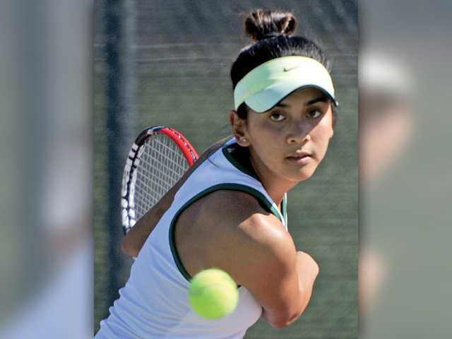 Canyon tennis drops season opener against Simi Valley