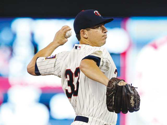 Tommy Milone's 7 innings lifts Twins over White Sox