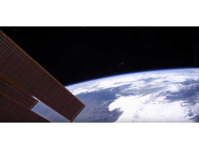 See the space station, Earth in gorgeous ultra-HD glory