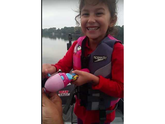 Video little girls lands big bass with barbie fishing pole for Little kid fishing pole