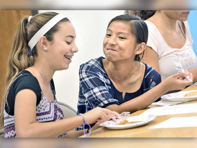 Castaic students show off culinary arts skills