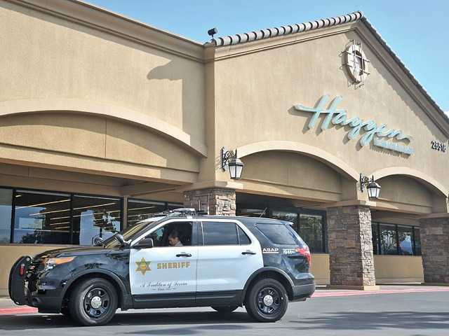 3 sought in Saugus grocery store robbery