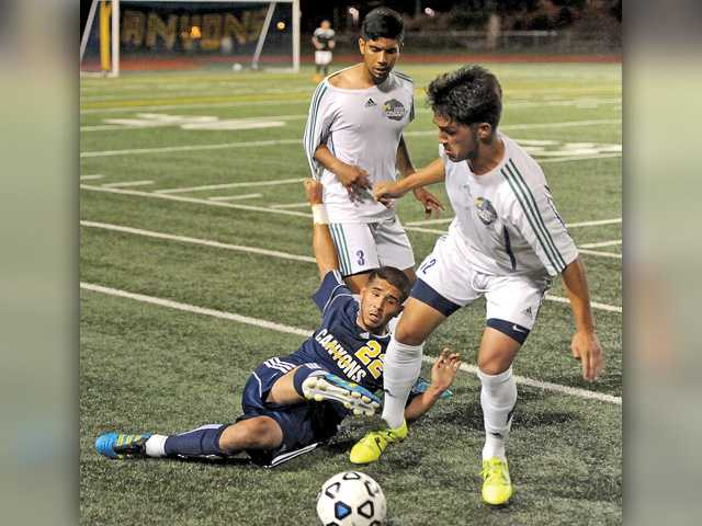 COC Cougars play to 0-0 tie against tough Oxnard team