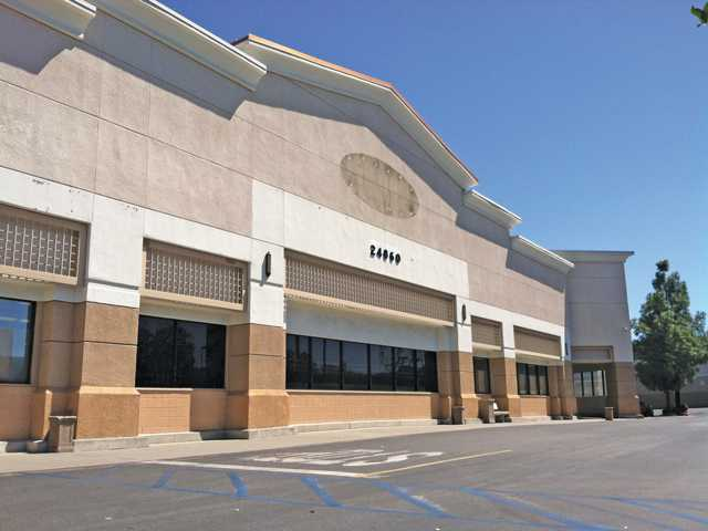 Slow Death of Large Grocery Stores Leaves Shopping Centers Without Anchor Tenants