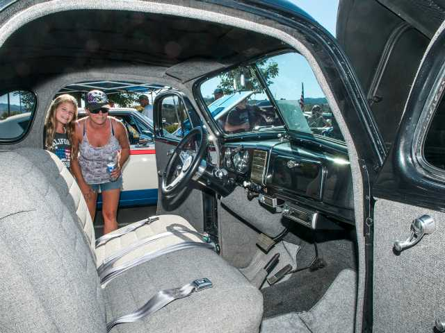 Hundreds enjoy cool cars on a hot day