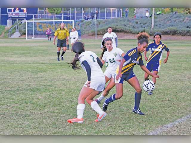 COC Insider: Women's soccer claws into first place