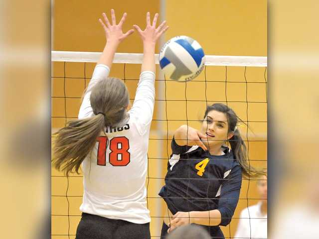 COC women's volleyball sweeps Citrus
